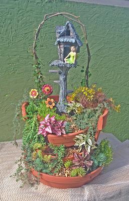 Wed-Apr 15-2020 10 am Broken Pot Fairy Garden 200415101